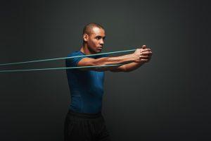 entrenamiento de fuerza con bandas elásticas