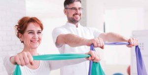 ejercicios rehabilitación con bandas elásticas