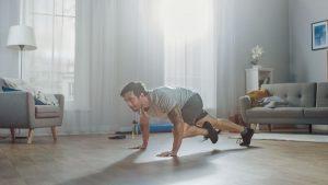 entrenamiento en casa, persona joven